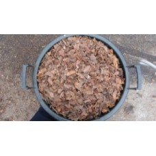 Közepes borovi fenyőkéreg 60 literes rassel zsákban